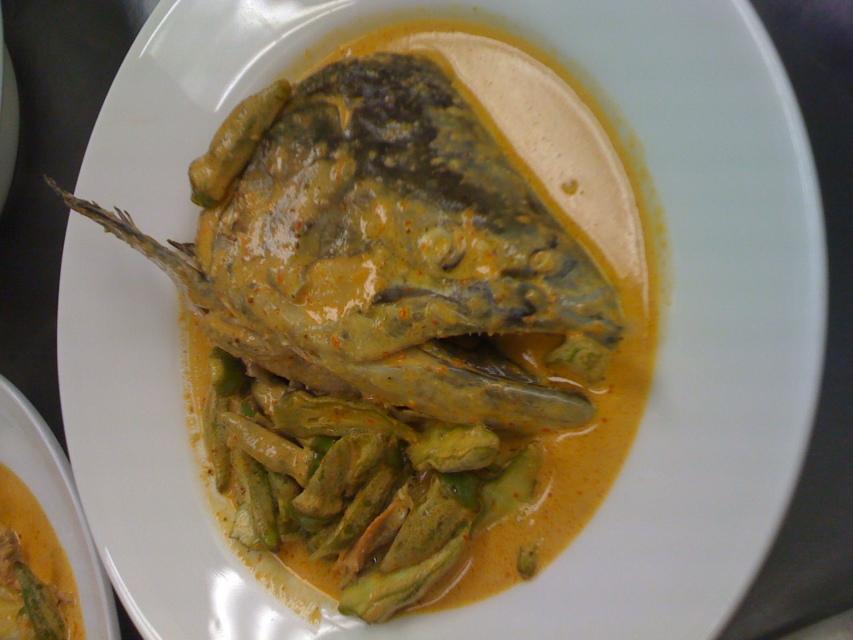 1009Fatty fishhead curry